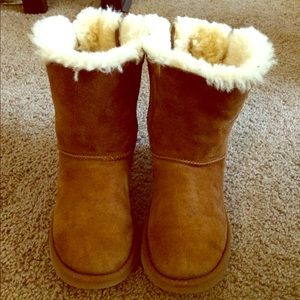 Bailey Bow Ugg boots!